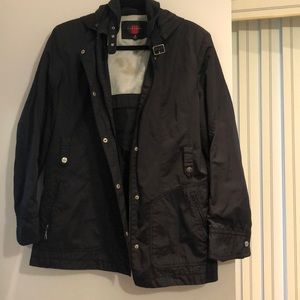 Gallery rain jacket size M. Nice details snap btns